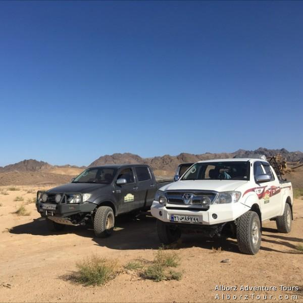 Our 4x4 cars for desert