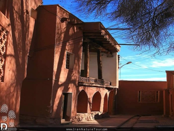 معماری سنتی ابیانه